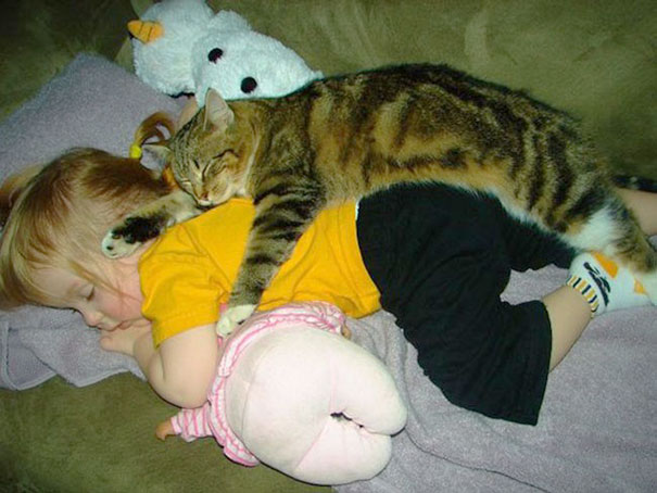 kids-with-cats-16__605