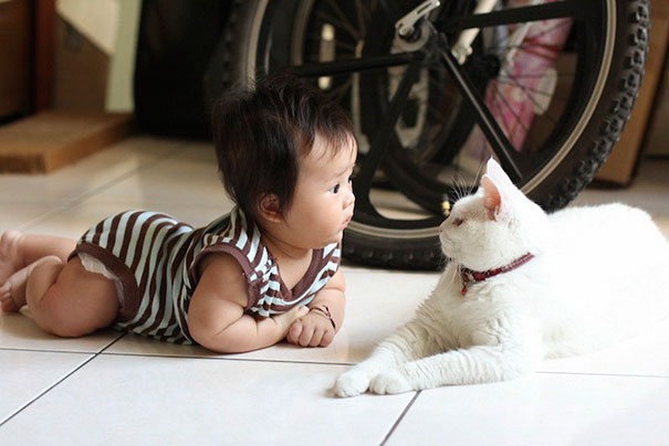 kids-with-cats-27__605
